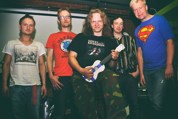 Leevi & the Leavings tribuutti